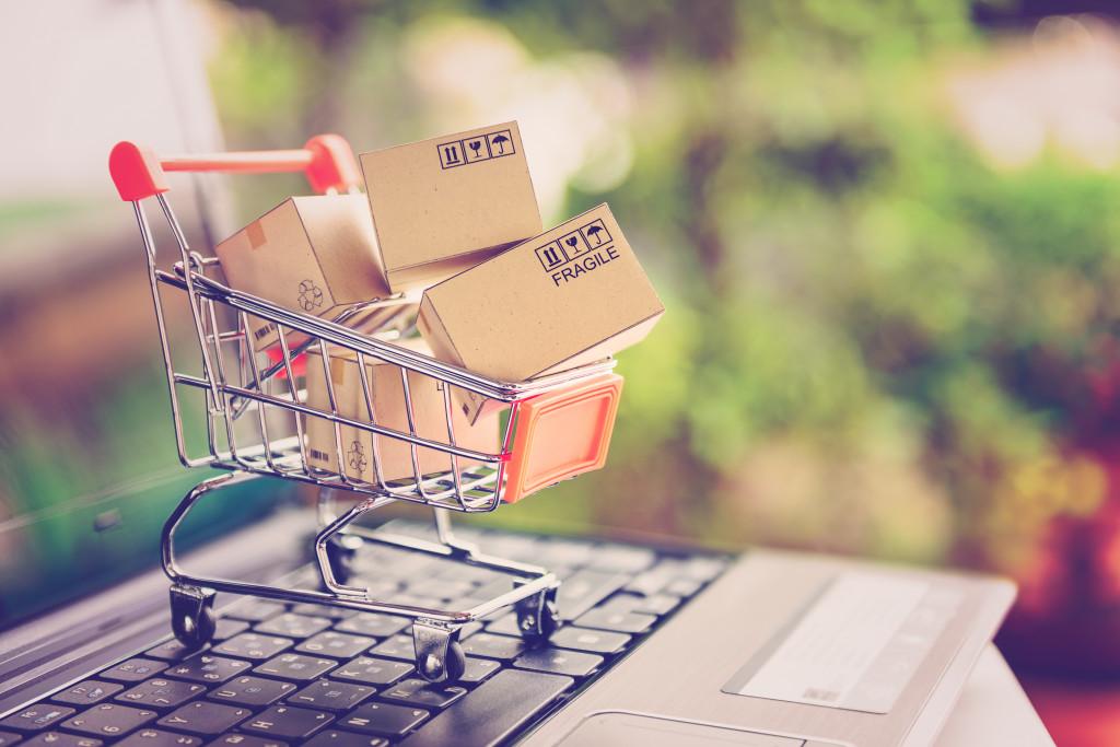 Online-Shop e-commerce Amazon Ebay AGB Widerrufsbelehrung Impressum Datenschutzerklärung Online-Handel Händler Digitalisierung im Internet verkaufen Disclaimer Vergleichsportal App